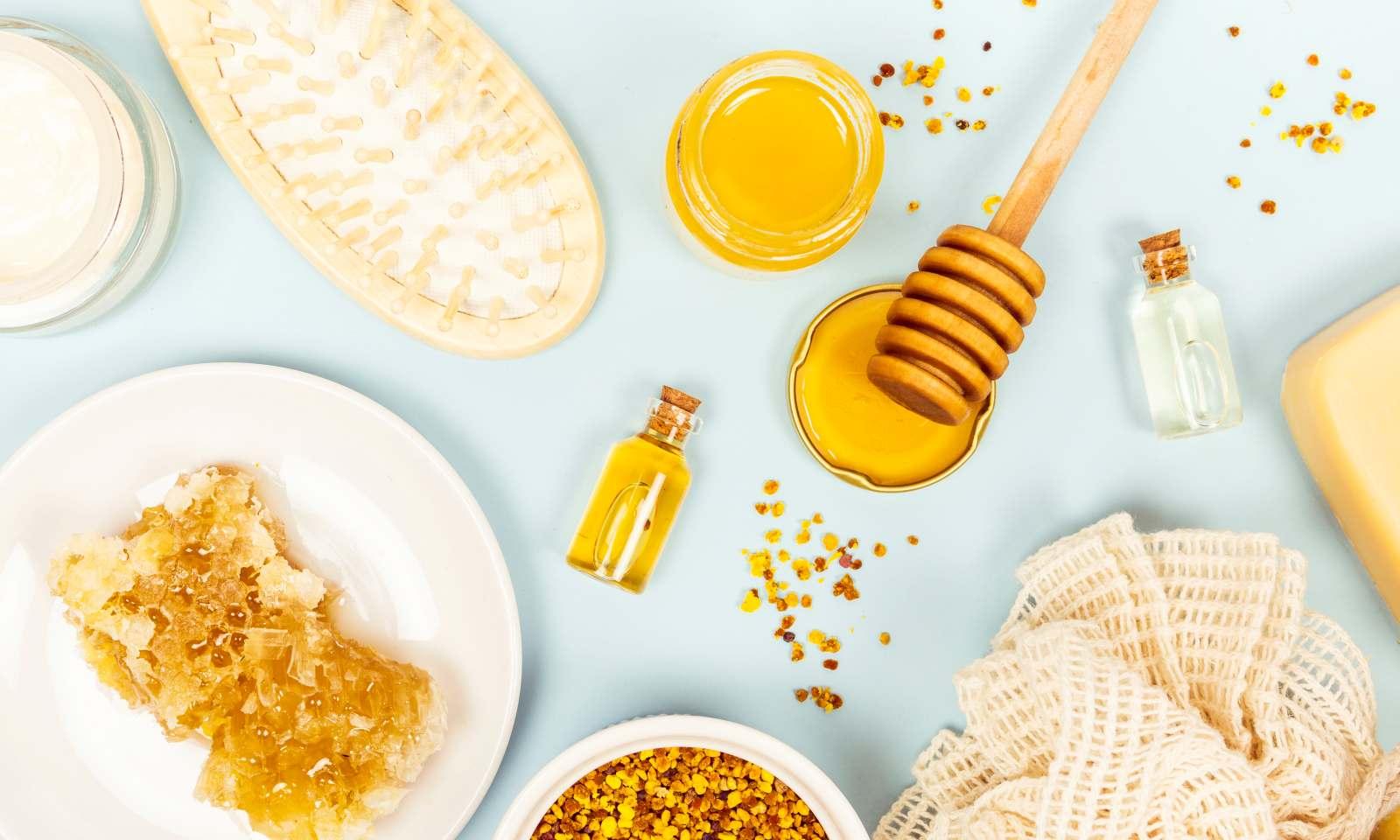 miele e olio per preparare una maschera per capelli secchi e crespi